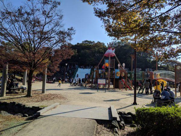 半田運動公園の遊具エリア全貌